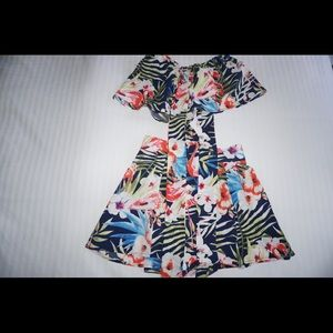Dresses & Skirts - Floral two piece (top and skirt)
